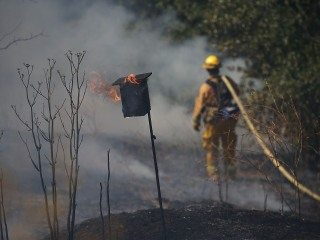 'Apocalyptic' Wragg Fire Races Through Thousands of California Acres