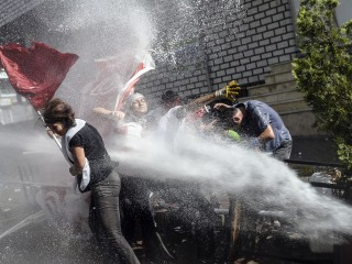 Violent Protests Erupt After Istanbul Peace March Canceled