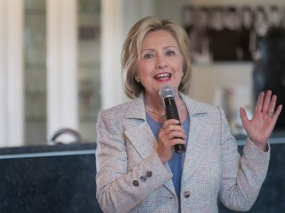Hillary Clinton Courts Influential Labor Group