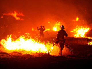 Erratic Rocky Fire in California Continues to Grow