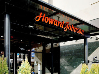 Tot Was Locked in Howard Johnson Hotel Safe During Game, Cops Say
