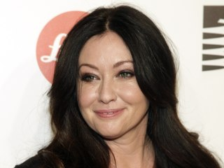 Shannen Doherty Shares Touching '90210' Throwback Pics With Co-Stars