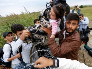 Hungary Border Fence Futile in Slowing Refugee Flow Across Europe