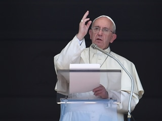 Pope Francis: Crimes Against Refugees 'Offend the Entire Human Family'