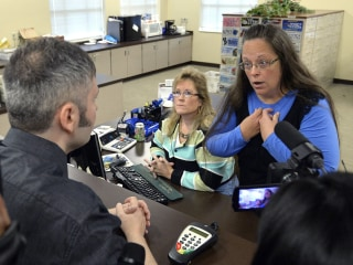 Kim Davis, Kentucky Clerk, Held in Contempt and Ordered to Jail