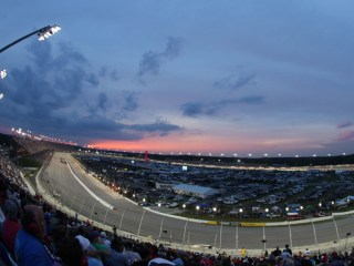Experts: Darlington One of NASCAR's Most Exhilarating Tracks