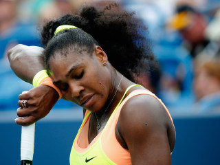 Serena's bid for Slam Marches on After Brief Test