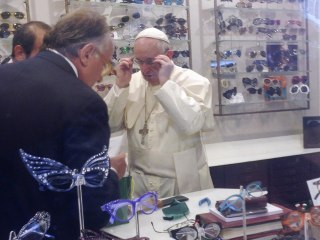 Pope Francis Sneaks Out of Vatican for New Spectacles - and Causes One