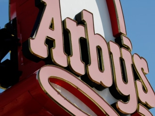 Arby's Offers Miami Cops Free Food After One Officer Denied Service