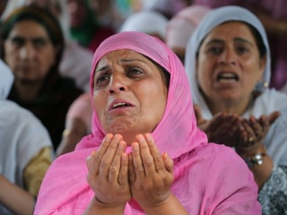 Kashmiri Muslims Commemorate Influential Sufi Scholar