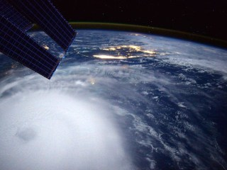 Astronaut Scott Kelly Captures Hurricane Joaquin From Space