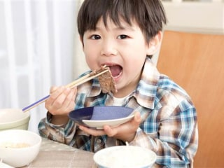 Secrets of the World's Healthiest Children: 6 Longevity Lessons from Japan