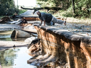 Flood Threat Looms as South Carolina Starts Recovery