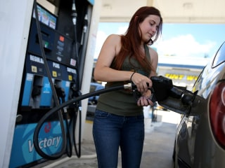 The Price of Oil Is Plummeting — But the Same Can't Be Said for Gas Prices