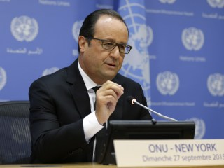 France's President Hollade in Moscow Urges 'Grand Coalition' Against ISIS