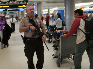 Thanksgiving Travelers Face Intense Security Amid Terror Threat