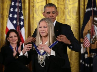 Obama Honors Spielberg, Streisand and More With Medal of Freedom