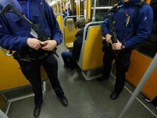 Brussels Lockdown: Metro Reopens, But Troops Remain on Streets