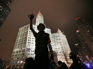 Chicago Protesters Take to the Streets for a Second Night After Release of Laquan McDonald Video