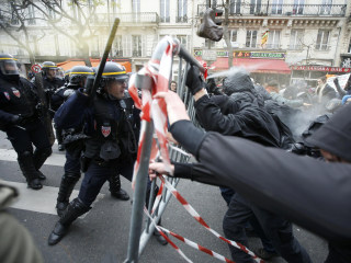 Paris Climate Protests Turn Violent at Site of Memorials
