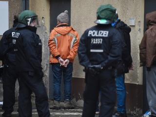 German Police Tackle Mass Brawl at Berlin Refugee Shelter