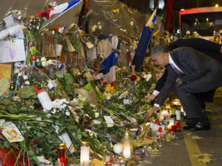 Obama Places Single White Flower at Bataclan Memorial in Paris