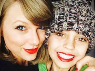 Taylor Swift Visits Young Fan with Cancer for Christmas
