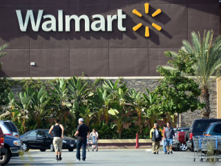 Wal-Mart to Give Raises, New Benefits to 1.2 Million Hourly Workers