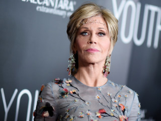 Jane Fonda Reveals She 'Fell in Love Every Time' She Acted With Robert Redford