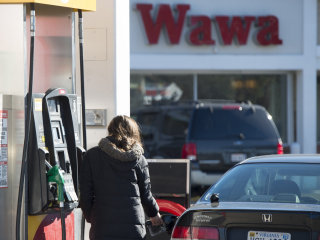 Energy Costs Put Consumer Prices in Reverse, Keep Inflation at Bay