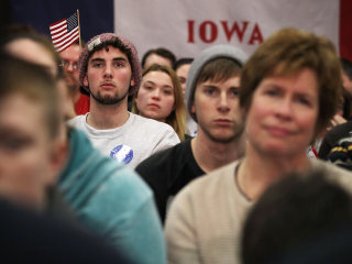 Sunday in Pictures: Campaigning in Iowa and More