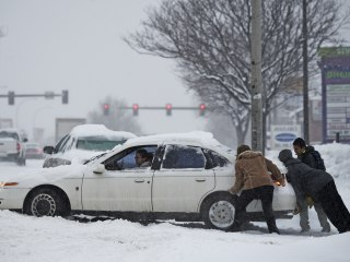 Winter Storm Blasts Plains and Midwest
