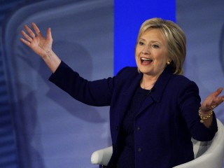 Hillary Clinton Struggles to Explain $600K in Goldman Sachs Speaking Fees