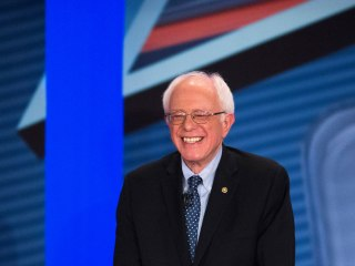 Bernie Sanders to Make Cameo on 'Saturday Night Live' With Larry David