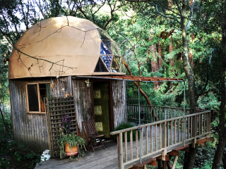 Take a Tour Inside the World's Most Popular Airbnb Rental