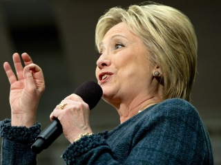 Clinton Rejects Criticism Over Wall Street Ties, Paid Speeches