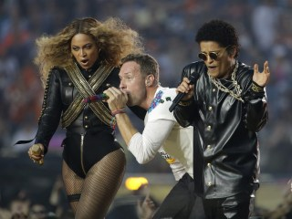 Super Bowl Halftime: Beyonce, Coldplay, Bruno Mars Pay Tribute to Predecessors