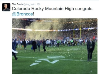Twittersphere Roasts Apple's Tim Cook Over Blurry Super Bowl Pic
