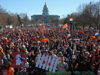 Bomb Threat Empties Colorado Capitol After Broncos Parade