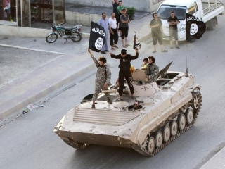 ISIS Fighters Seize Civilian Homes, Shave Beards to Avoid Airstrikes