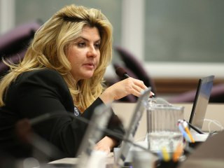 Oregon Occupation: Michele Fiore, Nevada Lawmaker and Mediator, Calls for No Bloodshed