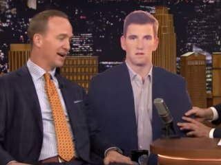 Blank Faces: Peyton Jabs Brother Eli's 'Manning Face'