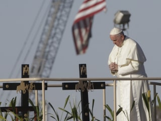 Pope Francis to Donald Trump: Building Mexico Wall Is 'Not Christian'