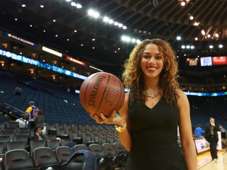NBCBLK28: Rosalyn Gold-Onwude: Sideline Reporter Holds Court