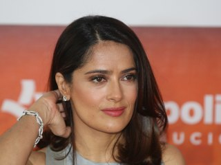 Actress Salma Hayek Gives $100,000 for Mexico Earthquake Relief