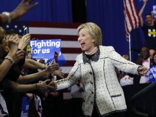 Super Tuesday: Can Hillary Clinton Deal a Fatal Blow to Bernie Sanders?