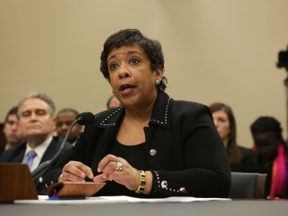 Lynch Will Accept FBI Recommendations on Clinton Emails: Report