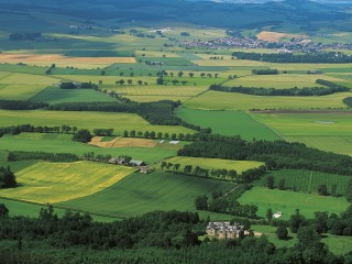 Scotland Moves Against Wealthy Gentry Who Dominate Land