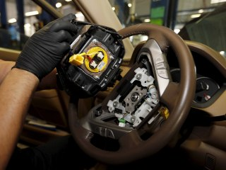 Automakers Still Installing Defective Takata Airbags in Cars: Report