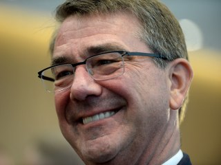 Ash Carter Visits Baghdad as Attack on ISIS-Held City Looms